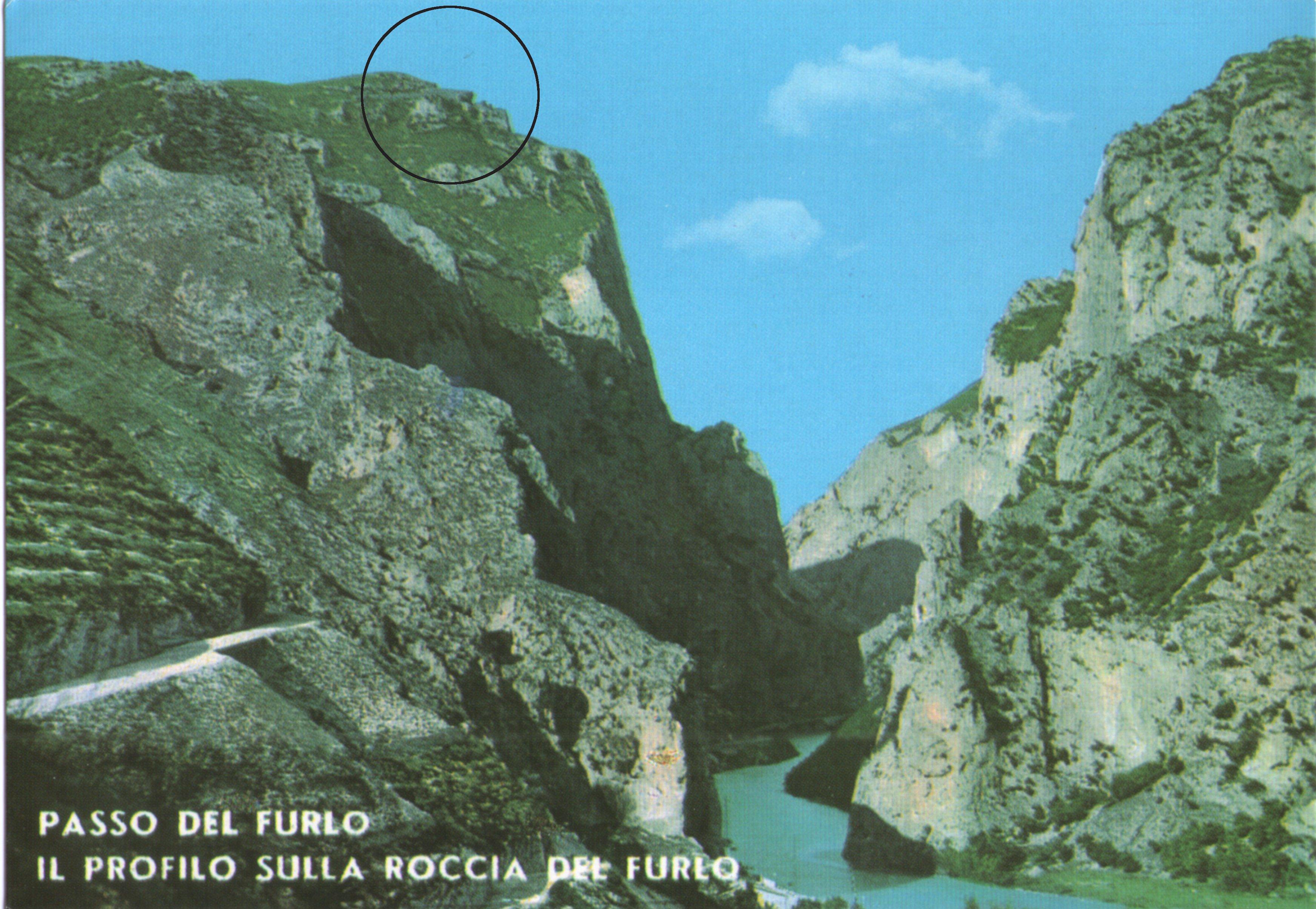 Il profilo di Mussolini sul monte Pietralata in una vecchia cartolina