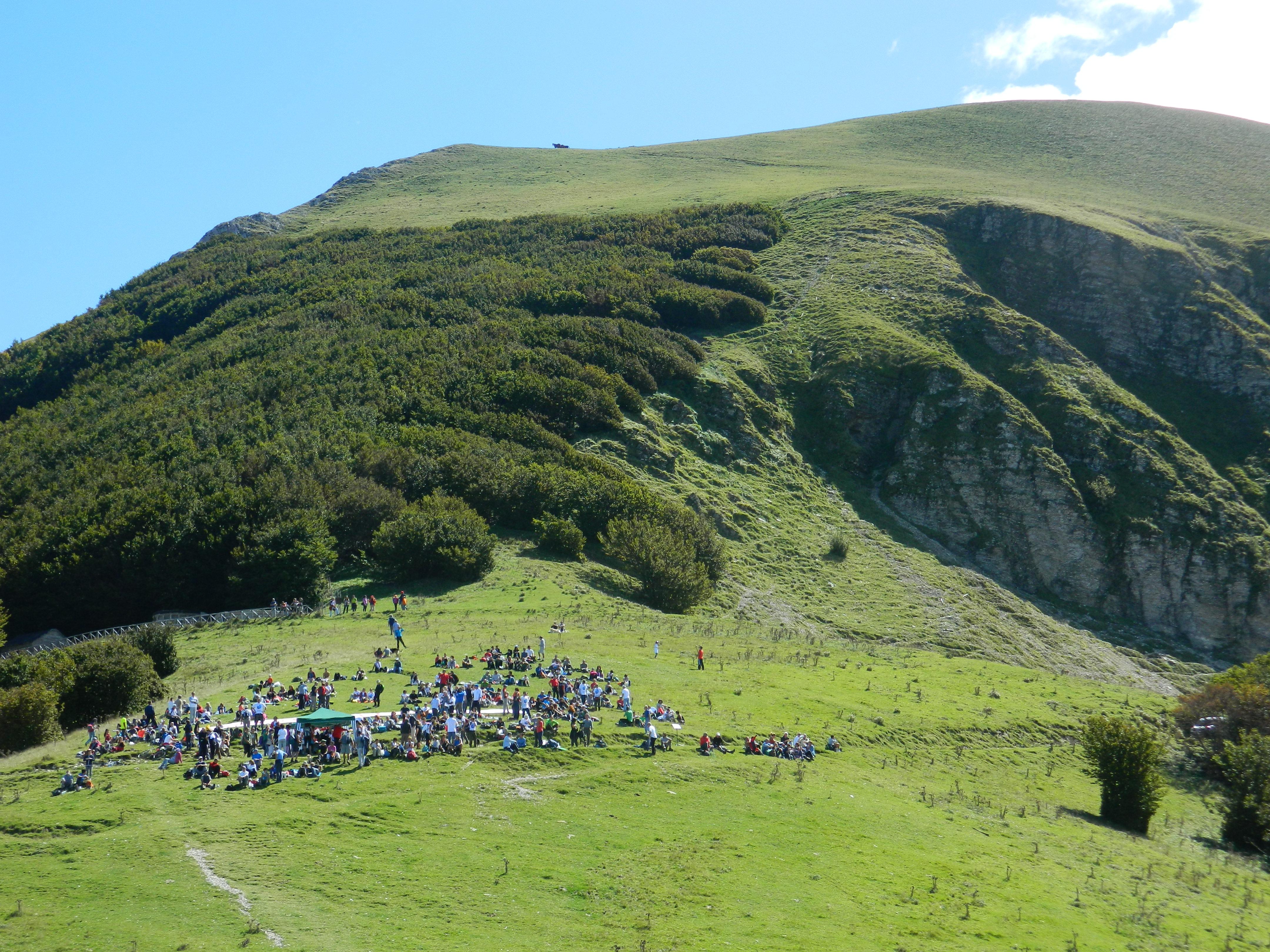 Raduno sul Monte Catria per 'Il Parco che non c'è', settembre 2014